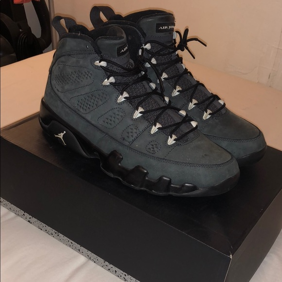 all grey 9s off 51% - www.dolphincenter